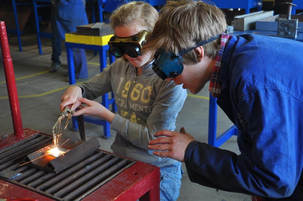 Bezoek lager onderwijs aan secundair onderwijs voor co-creatie workshop