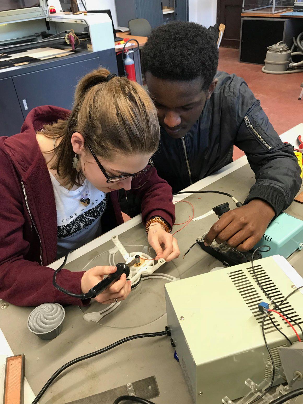 Leerlingen technisch onderwijs aan het werk!