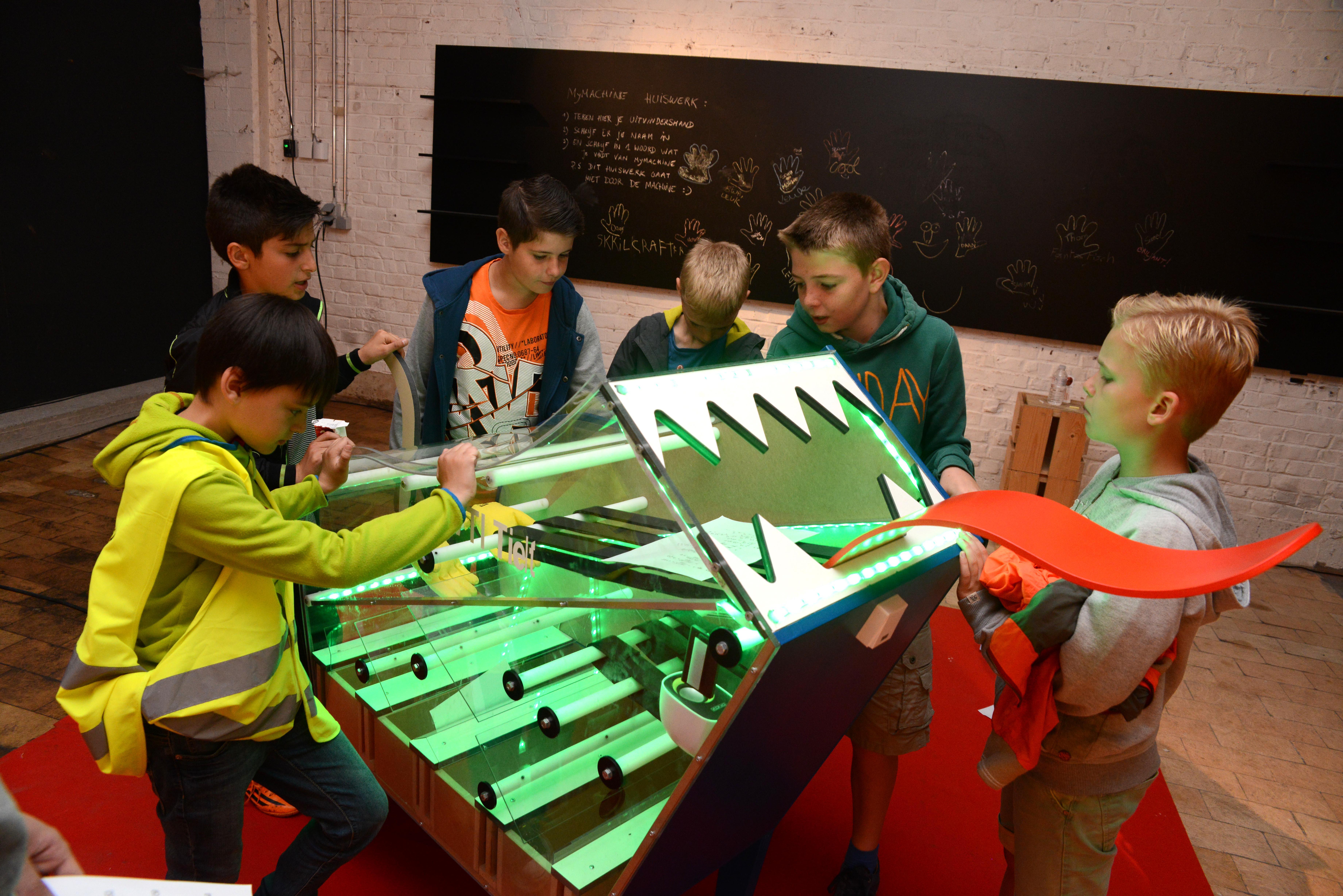 Gezocht: Lager onderwijsklassen met geniale ideeën en secundaire scholen met maaktalenten voor deelname aan MyMachine Vlaanderen 2018-2019