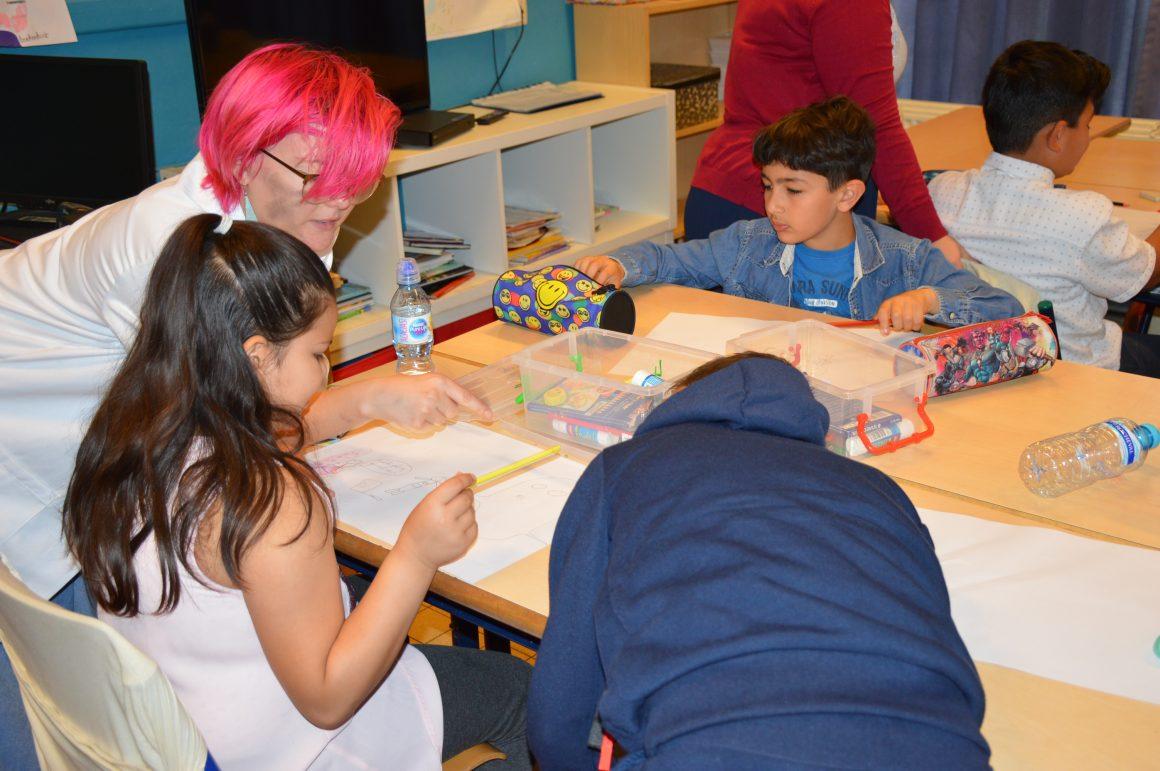Kinderen van de Droomboom tekenen hun droommachine!