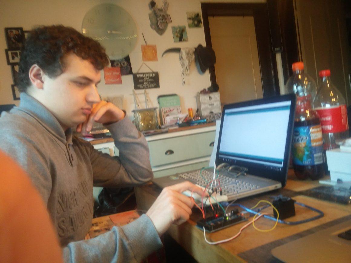 Ontwerp van de elektronica en programmatuur